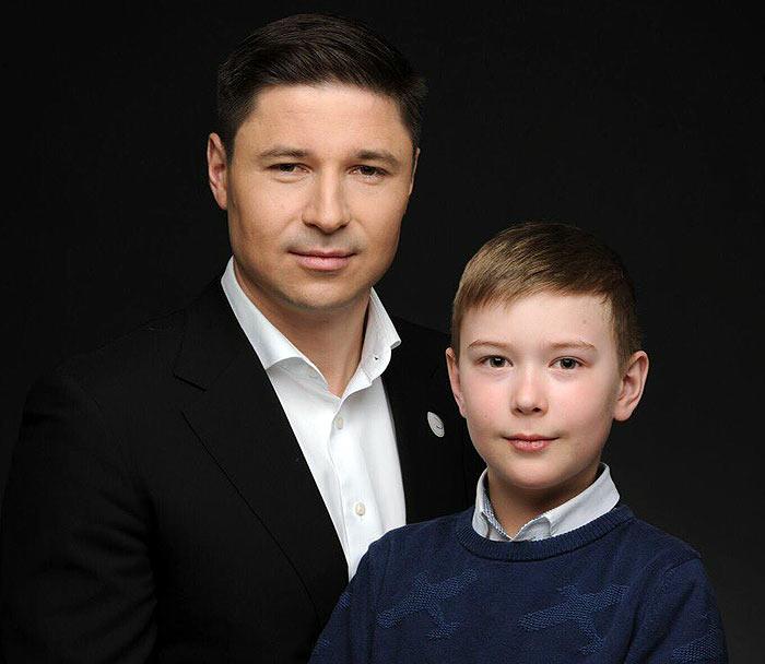 Александр Богданович с сыном